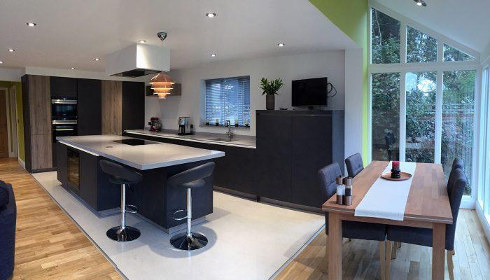 Grey stone oak blend kitchen – Beyton