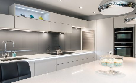 Handleless matt grey kitchen – Ipswich