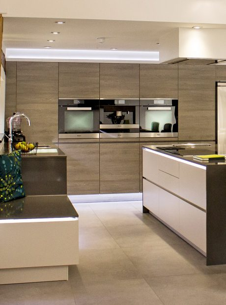 Open plan contemporary kitchen for barn conversion – Woodbridge