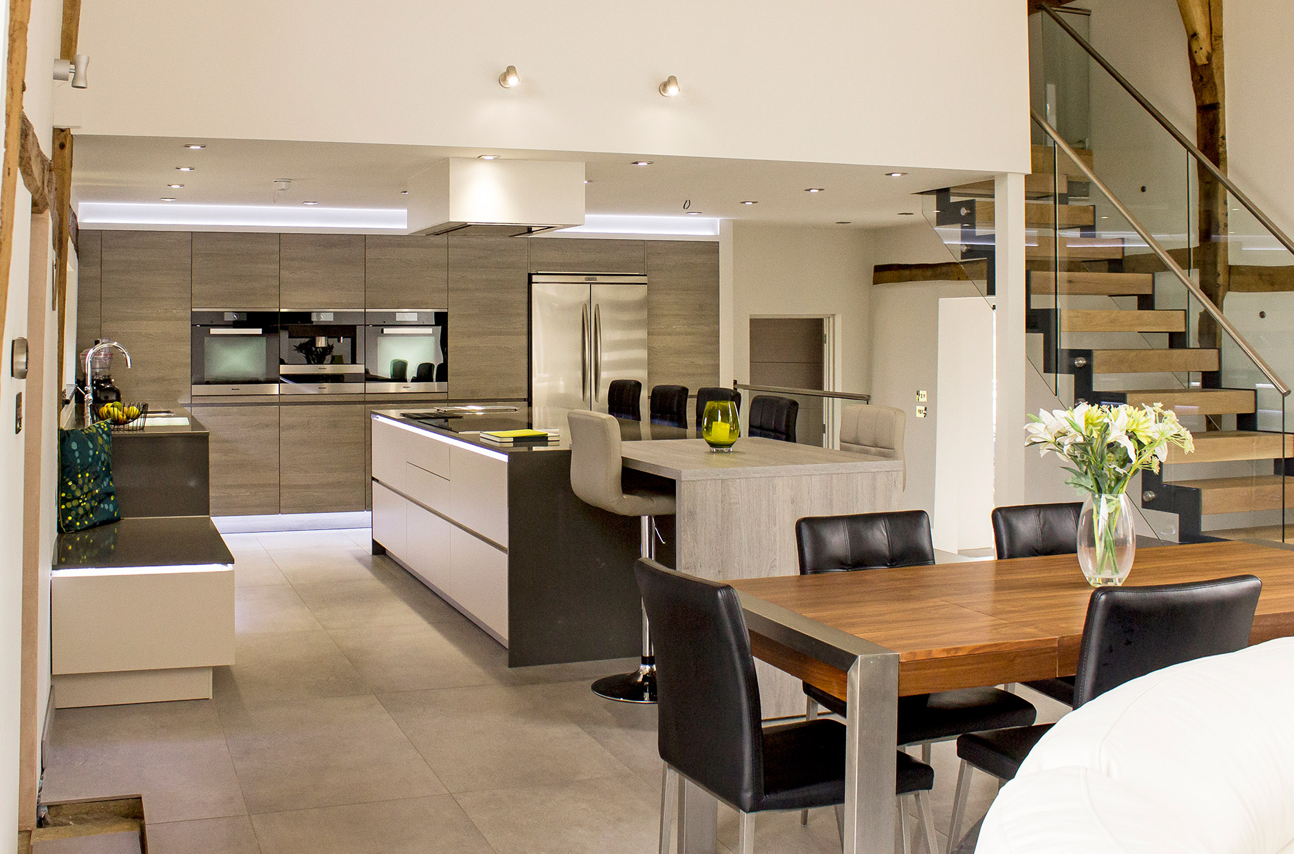 Open Plan Contemporary Kitchen For Barn Conversion
