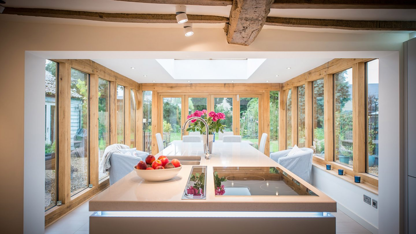 open-plan-contemporary-kitchen-for-listed-cottage–cambridgeshire_slide1