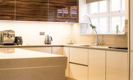 Walnut glass gloss kitchen – Bury St Edmunds