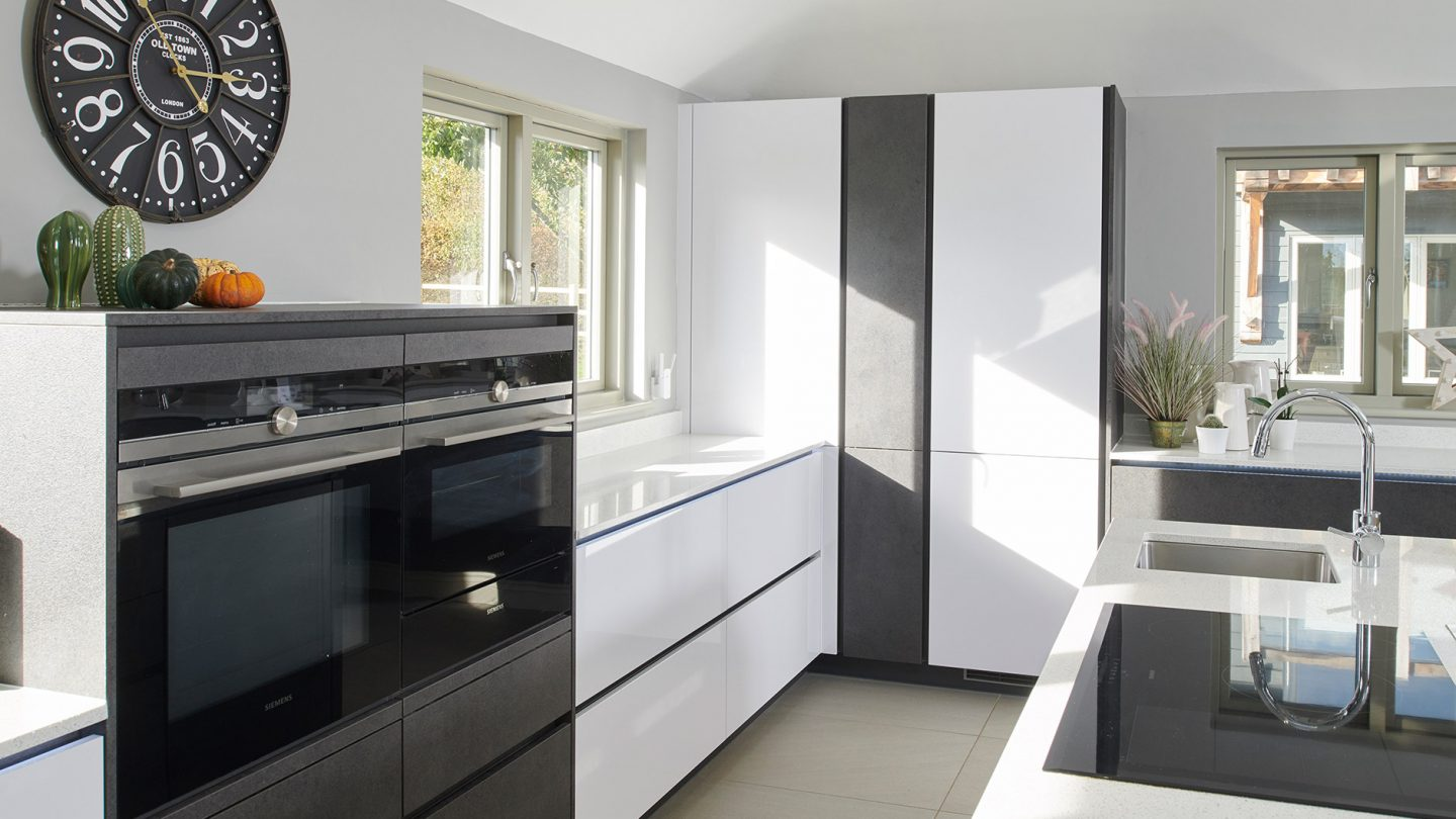 open-plan-handleless-lifestyle-kitchen-bury-st-edmunds-suffolk_slide4